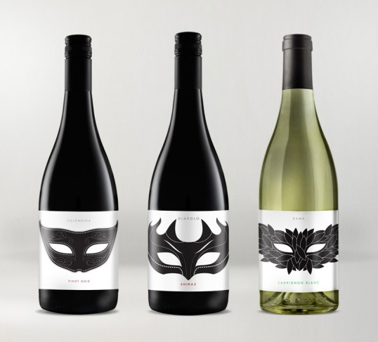 fotodebotellas-vino-mascaras